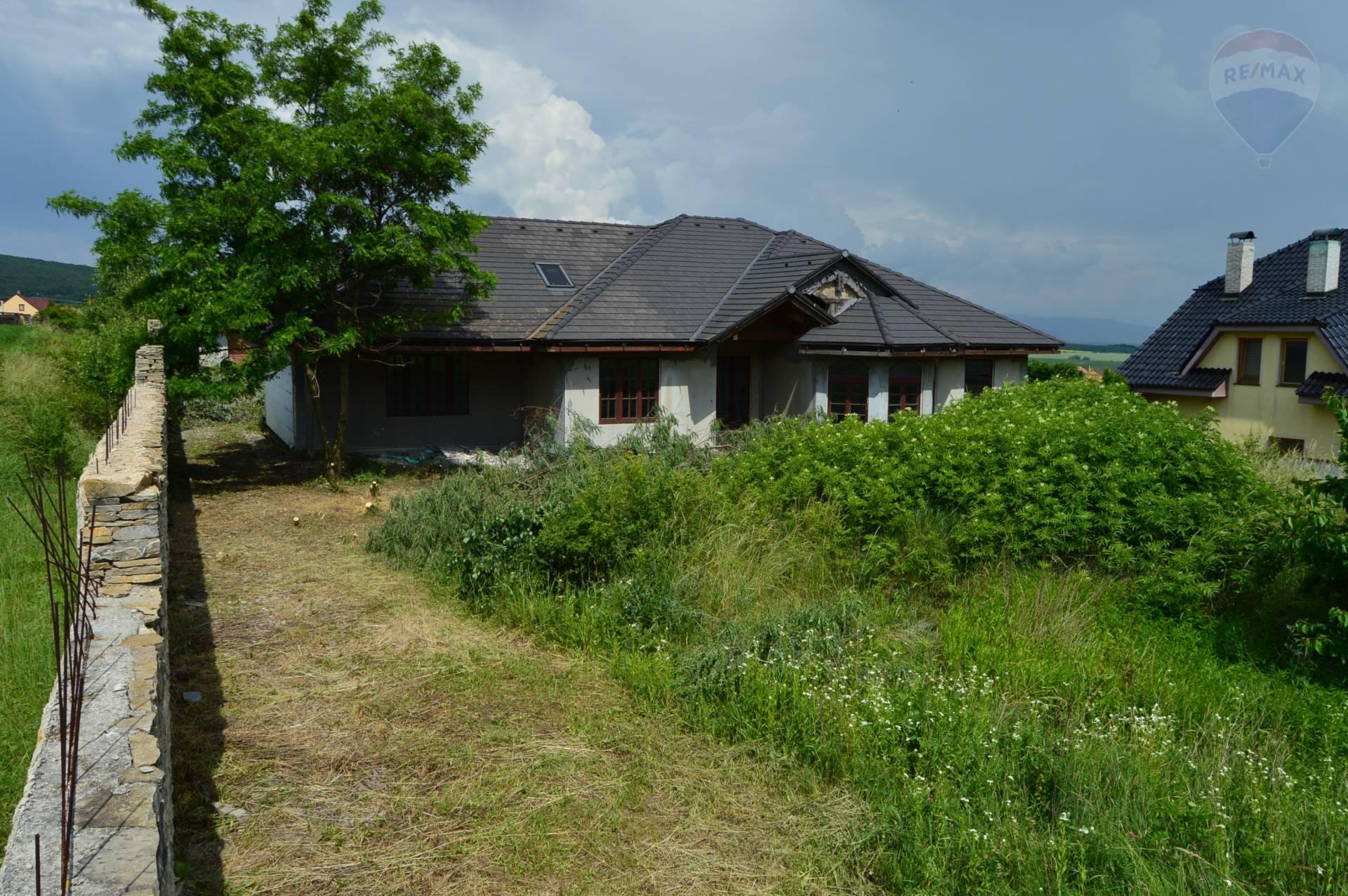 predaj rodinný dom Žirany