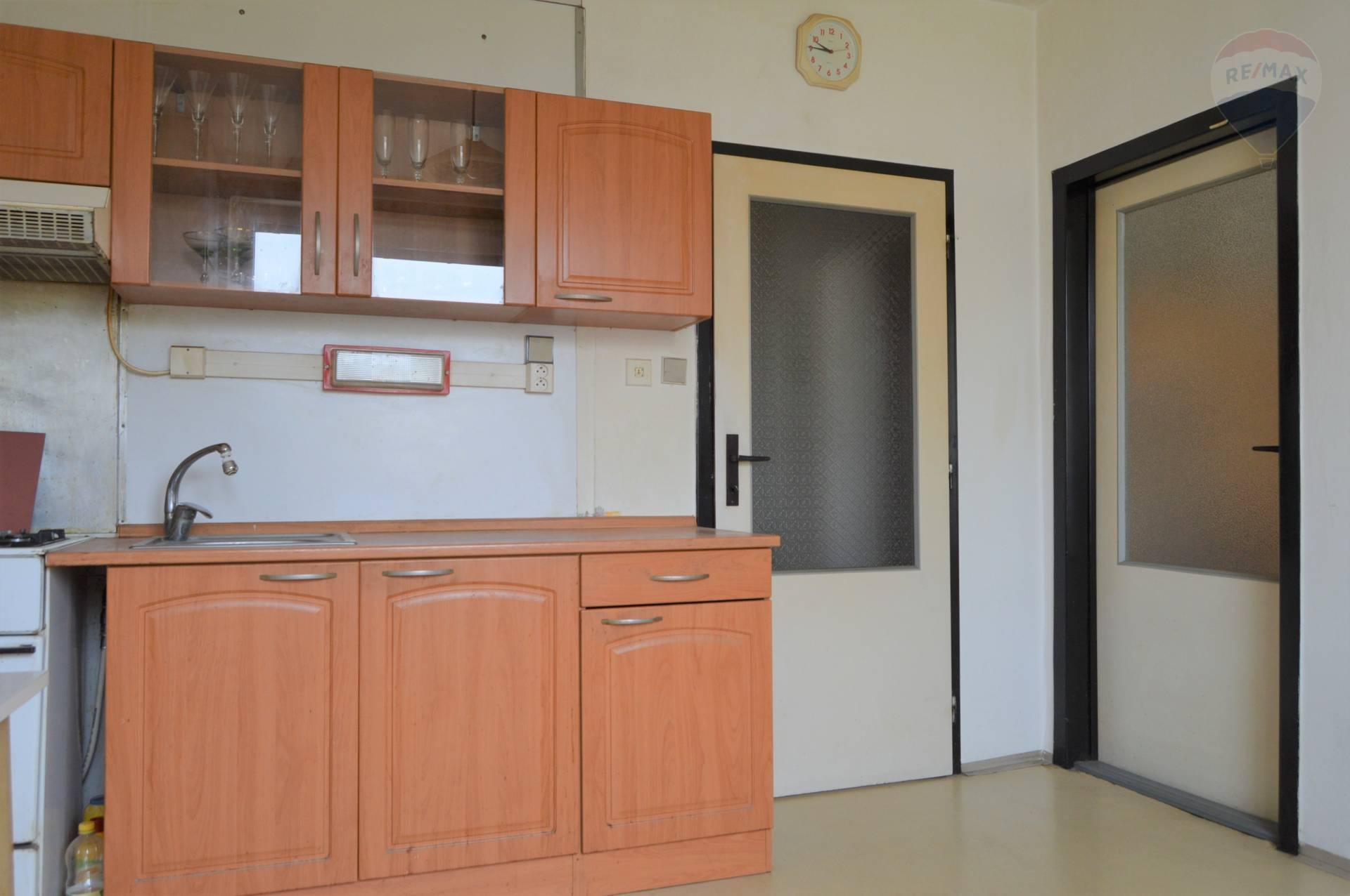 predaj 1 izbový byt Nitra, Novomeského