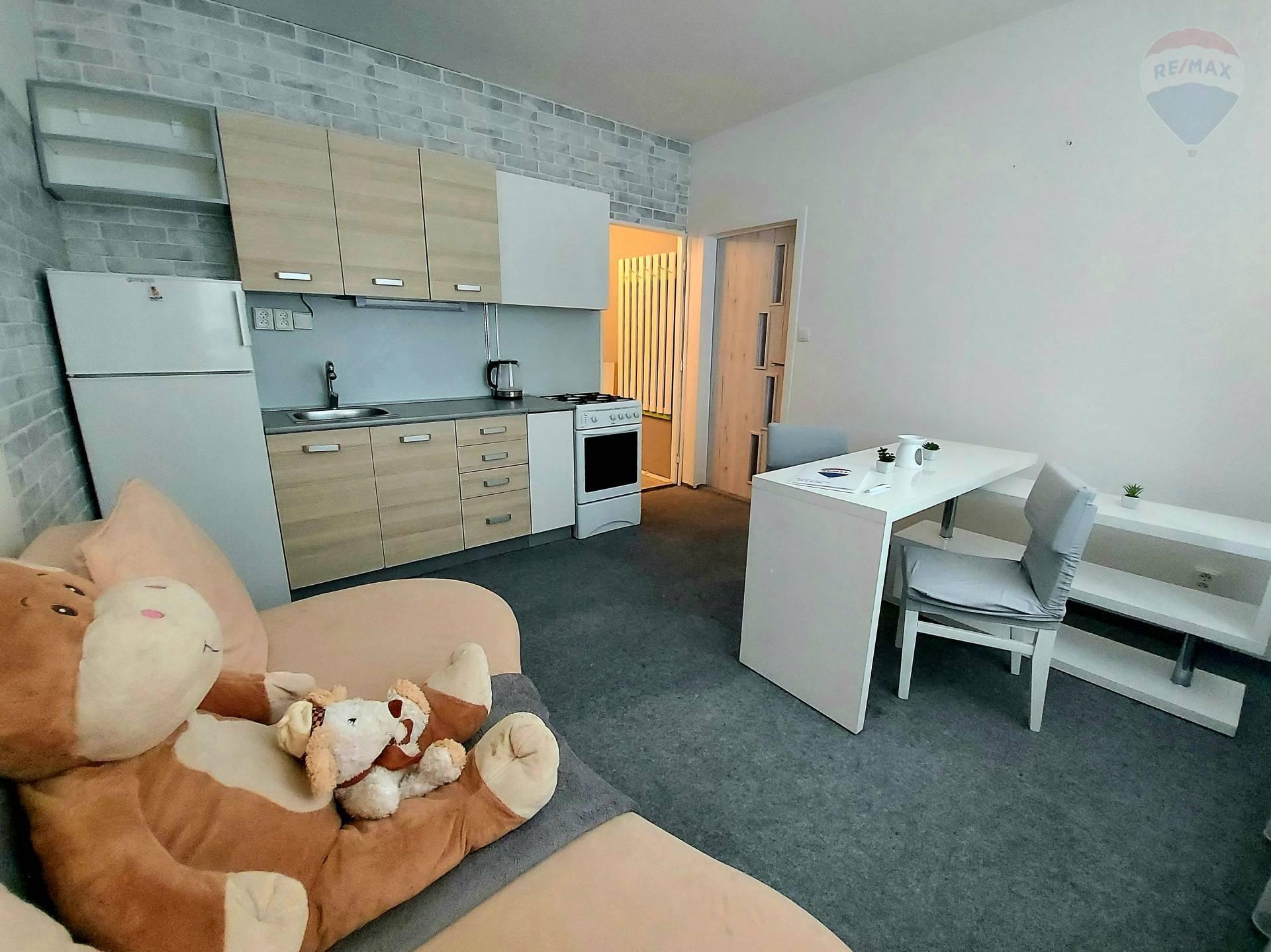 predaj 1 izbový byt Levice