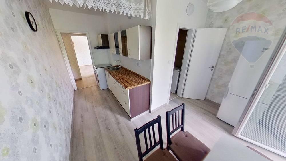 predaj 2 izbový byt Nitra, Vihorlatská